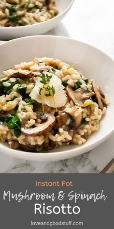 This creamy Instant Pot risotto tastes just as amazing as a slow cooked stove top version! This easy vegetarian risotto recipe features authentic risotto ingredients like parmesan cheese, white wine and butter and is on the table in 20 minutes. Spinach Risotto, Mushroom Risotto, Tomato Risotto, Veggie Recipes, Healthy Recipes, Veggie Food, Healthy Food, Vegetarian Dinners, Instapot Vegetarian Recipes