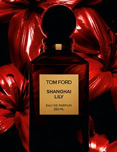 SHANGHAI LILY: Opulent. Tantalizing. Elegant. | Shanghai Lily is a floral Oriental scent that transports the senses into a world of rare and opulent ingredients from the historic silk road, warm spices, elegant florals and addictive notes of vanilla and frankincense create a hazy reverie of glamour and temptation.
