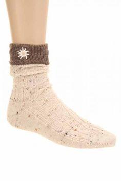 #Socken mit kontrastfarbigem Saum - sehen toll aus....