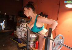 Lana_Kendrick_Busty_Workout_01