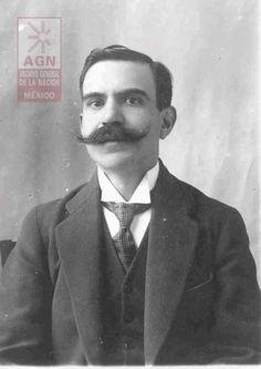 Enrique Colunga Los Constituyentes :: Espectáculo Teatral y Multimedia