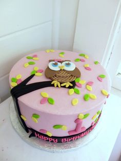 Owls! They're everywhere lately!   How cute is this cake??