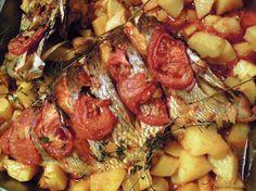 Peixe assado no forno http://grafe-e-faca.com/pt/receitas/do-mar/peixe/peixe-assado-no-forno/