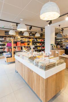 L'épicerie de JOSEPH à Rennes - Architecture par l'agence LABEL ETUDES Kiosk, Points, Store Fronts, Retail Design, Joseph, Architecture, Kitchen, Shop, Home Decor