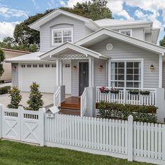 54 Super Ideas For Exterior House Trim Window Casing House Design, Hamptons House Exterior, House Front, House Exterior, Hamptons House, House Styles, Exterior Design, House Painting, House Paint Exterior