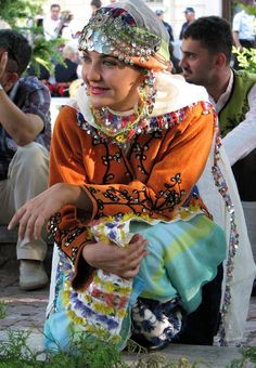 Turkish woman, traditional dress from Aegean region. #turkish #woman #turkey #aegean #region #coast #traditional #clothing #folkwear #girl #anatolia #burdur #beauty #dance Turkish Art, Life Styles, Cultural Diversity, Paladin, Traditional Outfits, Most Beautiful Women, Kaftan, Pepper, Turkey