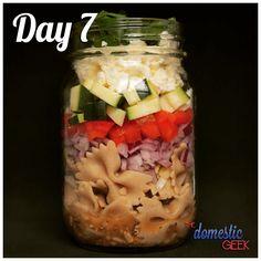 Mason Jar Meals, Meals In A Jar, Make Ahead Meals, Easy Meals, Greek Vinaigrette, Different Salads, Salad Recipes, Jar Recipes, Simple Recipes