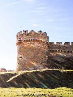 Castillo-fortaleza de Grajal de Campos en la provincia de León.