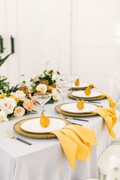 Cozy farmhouse style meets white and gold holiday decor in this rustic Texas barn wedding from Ellen Ashton & Chancey Charm Dallas at The Nest at Ruth Farms! Mustard Yellow Wedding, Yellow Wedding Flowers, Wedding Colors, Yellow Flowers, Yellow Weddings, Yellow Wedding Decor, Mustard Wedding Theme, Wedding White, Wedding Reception Design