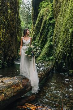 Jess Hunter Photography, Oregon coast elopement photographer, Oregon elopement idea, Colmbia River Gorge wedding and elopement photographer, Seattle and Pacific Northwest elopement photographer, small intimate forest wedding in Oregon, riverside wedding ceremony, Portland oregon wedding photographer, artistic wedding photography in the Pacific Northwest, Northwest inspired wedding, BHLDN wedding dress, wild bouquet