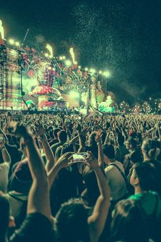 New music concert photography night 44 Ideas Festival Looks, Edm Festival, Festival Style, Edm Music, Dance Music, Music Lyrics, Music Concerts, Dubstep, What Makes You Happy