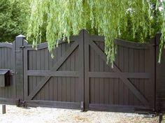 Black Wooden Fence Design Ideas For Frontyards 30 Side Gates, Front Gates, Entrance Gates, House Entrance, Entrance Ideas, Double Wooden Gates, Wooden Fence, Double Gate, Wooden Doors