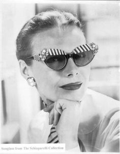 1950a Schiaparelli Sunglasses advertisement.