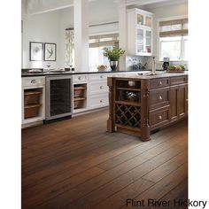 Shaw Industries Riverdale Hand-scraped Hickory Flooring (17.99 Square Feet) (00