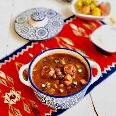 Supe și ciorbe – Chef Nicolaie Tomescu Chana Masala, Cheeseburger Chowder, Chili, Soup, Ethnic Recipes, Pizza, Chile, Soups, Chilis