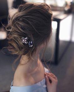 44 Wedding hairstyle for medium long hair Edgy Updo, Elegant Updo, Medium Long Hair, Everyday Hairstyles, Bridal Style, Hair Trends, Updos, Bridal Hair, Hair Inspiration