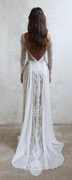 Awesome 30 Simple Beautiful Low Back Wedding Dress https://bitecloth.com/2017/10/01/30-simple-beautiful-low-back-wedding-dress/