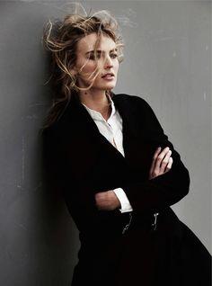 шерстяное пальто, белая блузка, Nikkie