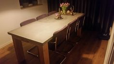 tafel met betonnen blad