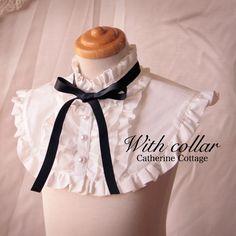 つけ襟 - Google 検索 Collar Designs, Blouse Designs, Clothes Crafts, Doll Clothes, Lolita Mode, Lolita Cosplay, Looks Chic, Vintage Lingerie, Fashion Sewing