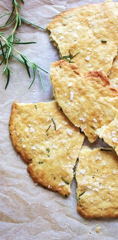 Rosemary and Sea Salt Flatbread. Yes…rosemary. : Rosemary and Sea Salt Flatbread. Yes…rosemary. I Love Food, Good Food, Yummy Food, Tasty, Brunch, Great Recipes, Favorite Recipes, Amazing Recipes, Easy Recipes