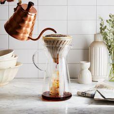 How to Make Perfect Iced Coffee on Food52 Coffee Talk, Hot Coffee, Iced Coffee, Coffee Drinks, Boba Recipe, Iced Americano, How To Make Ice Coffee, Homemade Liquor, Coffee Uses