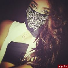 Find images and videos about girl, eyes and thug on We Heart It - the app to get lost in what you love. Bandana, Chola Style, Gangster Girl, Mask Girl, Estilo Grunge, Bad Girls Club, Pretty Girl Swag, Swag Style, Swagg