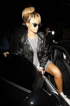 Rhi Rhi - Grey marle dress, leather jacket, tennis shoes... HOT! Love her messy bun too