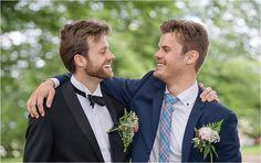 Wedding group portraits #bridalportrait #groom #bestmen #oudoor #wedding #helsingborg #portraits #weddingparty #elegant #vikingsbergsparken #ögonblick #lifestyle #realwedding #romantic #brideandgroom #swedishwedding #photographer #naturallight #porträtt #kullafoto #annalauridsen #bröllop #bröllopsfotograf #bryllup #bryllupsfotograf Bröllop Helsingborg Skåne [Photo by Anna Lauridsen Kullafoto]