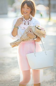 Simple tips to look more stylish in your work clothes Office Fashion Women, Womens Fashion For Work, Work Fashion, Fashion Outfits, Dress Code Casual, Neutral Outfit, Linen Skirt, Cute Summer Outfits, Skirt Outfits