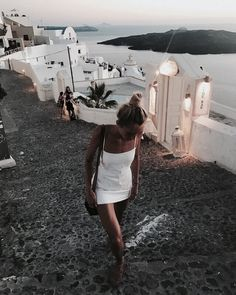 Dinner with new friends in mykonos, greece. Destination Voyage, Adventure Is Out There, Oh The Places You'll Go, Summer Vibes, Travel Photography, Makeup Photography, Film Photography, Amazing Photography, Photography Ideas