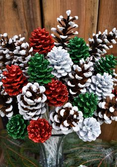 Glitter Red White Green and White Tip Pinecone Flowers Pine Cone Christmas Decorations, Christmas Pine Cones, Rustic Christmas, Simple Christmas, Christmas Diy, Christmas Wreaths, Christmas Ornaments, Pinecone Christmas Crafts, Christmas Center Piece Ideas