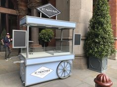 Bespoke carts handmade by Victorian Cart Company Food Stall Design, Food Cart Design, Food Truck Design, Food Trailer For Sale, Food Truck For Sale, Foodtrucks Ideas, Coffee Shop Counter, Mobile Coffee Shop, Mobile Food Cart