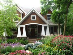 craftsman style with old fashioned garden