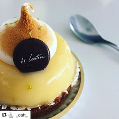 Une petite pause gourmande avant le week-end ?  Dégustez notre savoureuse tarte au citron revisitée ! . 📷 : @_catt_  #lelautrec #Lautrec #lemon #lemonpie #tarteaucitron #chocolat #pastry #patisserie #chocolate #chocolatelovers #macarons #macaroons #chocolatier #patissier #clermontferrand #igersclermontferrand #igersauvergne #vichy #pornfood #yummy #foodlovers