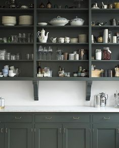 """Home Interior Cuadros The perfect open storage in beautiful Broby, hand painted in color """"Studio Green"""" from Farrow & Ball. Home Decor Kitchen, New Kitchen, Home Kitchens, Kitchen Dining, Kitchen Black, Cottage Kitchens, Modern Kitchens, Black Kitchens, Green Kitchen Cabinets"""