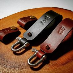 Shackle key chains and cord holders in full grain pull-up cowhides, complimented with heat embossed initials. #thewysden #bespoke #fineleathergoods #madeinsg #singapore #leather #sgcrafters #handmade #handcrafted #handburnished #keychains #cordholders #luxury #potd #carousellsg #sgcarousell #etsy #shopee #thinges #zilingo
