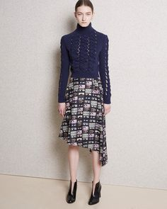 http://www.fashionsnap.com/collection/carven/woman/2015-16aw-pre/gallery/index17.php