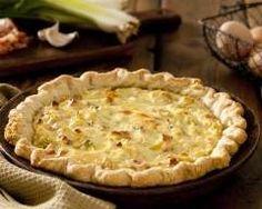 Quiche aux poireaux, oignons et chèvre : http://www.cuisineaz.com/recettes/quiche-aux-poireaux-oignons-et-chevre-18226.aspx