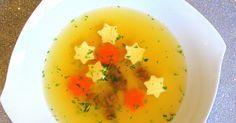 Eine leichte, klare Suppe ist die perfekte Vorspeise zu Weihnachten.  Sie kann prima vorbereitet und auch eingefroren werden.             ...