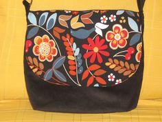 Bolso en pana negra y loneta de flores