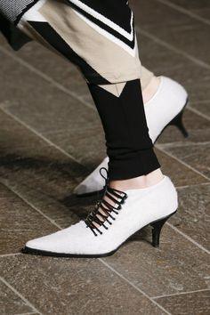 Mary Katrantzou Fall 2018 Ready-to-Wear Collection - Vogue - http://sorihe.com/mensshoes/2018/02/24/mary-katrantzou-fall-2018-ready-to-wear-collection-vogue/