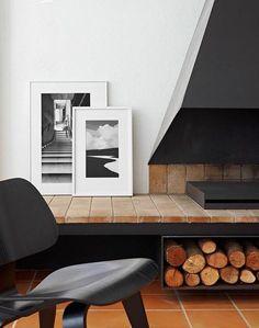Interior design wood home deco Modern Fireplace, Fireplace Design, Minimalist Fireplace, Metal Fireplace, Black Fireplace, Fireplace Hearth, Fireplace Ideas, Estilo Interior, Interior Minimalista