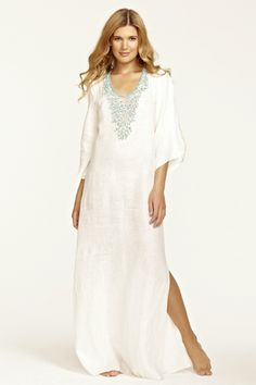 I would love to wear this to a fab beach resort. Llewellyn Turquoise Jeweled Caftan by Calypso St. White Maxi Dresses, White Dress, Cotton Dresses, Casual Chique, Estilo Hippy, Arab Fashion, Moroccan Caftan, Moda Fashion, Sari