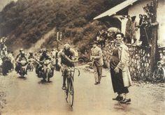Tour de France 1948. 14^Tappa, 16 luglio. Briançon > Aix-les-Bains. Col de Porte. Gino Bartali (1914-2000)