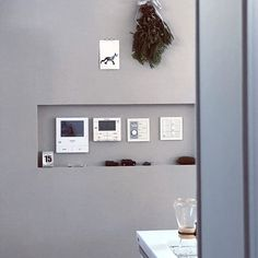 On Walls/日めくりカレンダー/スワッグ/グレーの壁/スイッチニッチ/こどもと暮らす。...などのインテリア実例 - 2018-01-15 00:44:01 My Home Design, Home Interior Design, House Design, Space Furniture, Model Homes, Ideal Home, Sweet Home, Gallery Wall, New Homes
