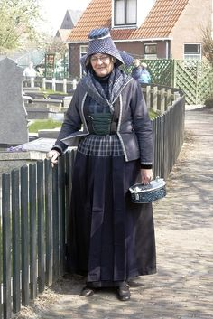 Folkloric costume when in mourning. Hindelopen ( Friesland, The Netherlands ) Rouwdracht Hindeloopen, Friesland, the Netherlands