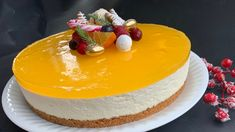 Cheesecake with gingerbread base and squash jelly – Oppskrifters Norwegian Food, Christmas Treats, Cheesecakes, Yummy Cakes, Squash, Jelly, Gingerbread, Cake Recipes, Delish