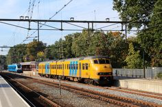 NS Plan V 475 'Bo'+Bo'2' DC EMU from Mat '64 series, Regional to Arnhem at Station Ede-Wageningen, Gelderland, The Netherlands