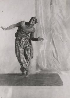 Portrait of Vaslav Nijinsky in Scheherazade by Baron Adolph de Meyer, 1910